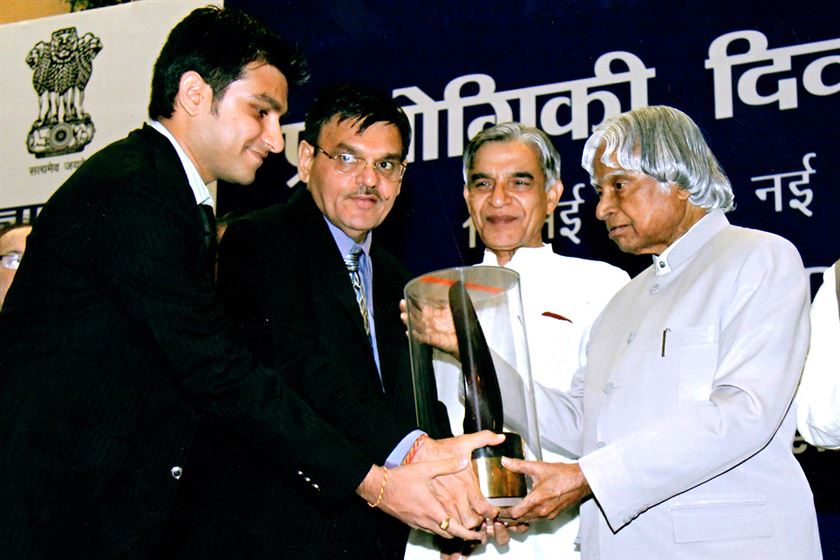 The National Awards R & D Efforts in Industry 2008